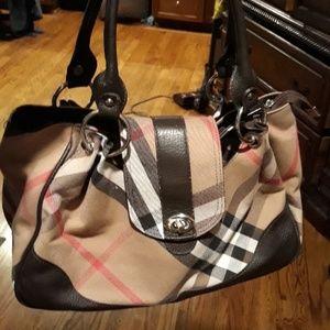 Handbags - Beautiful plaid purse